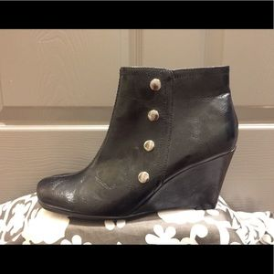 Aerosoles Black Wedge Leather Ankle Boots